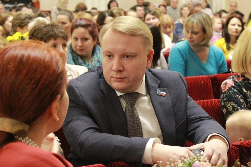 Российский депутат выдал себя за нуждающегося и получил землю в центре города