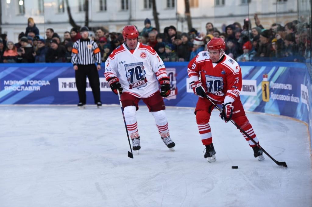 Миронов на хоккее (3).jpg