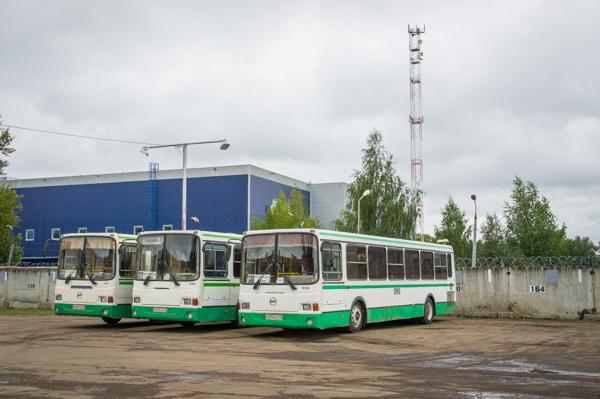 Ярославское АТП (автобусы на территории).jpg